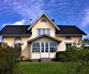 Casa prefabricada de madera modulares y Casa Móvil o Mobile Homes Ajardinada